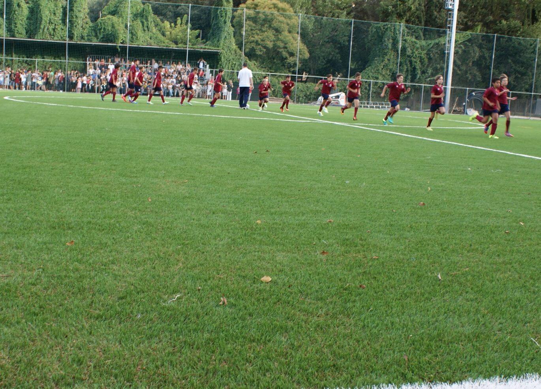 Campo da calcio illuminato in erba sintetica di ultima generazione (intaso naturale) per uso a 11 e a 8